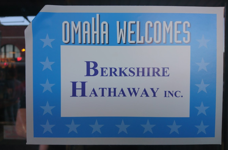 Nebraska není oblíbenou turistickou destinací, není divu, že tak Omaha vítá návštěvníky valné hromady s otevřenou náručí