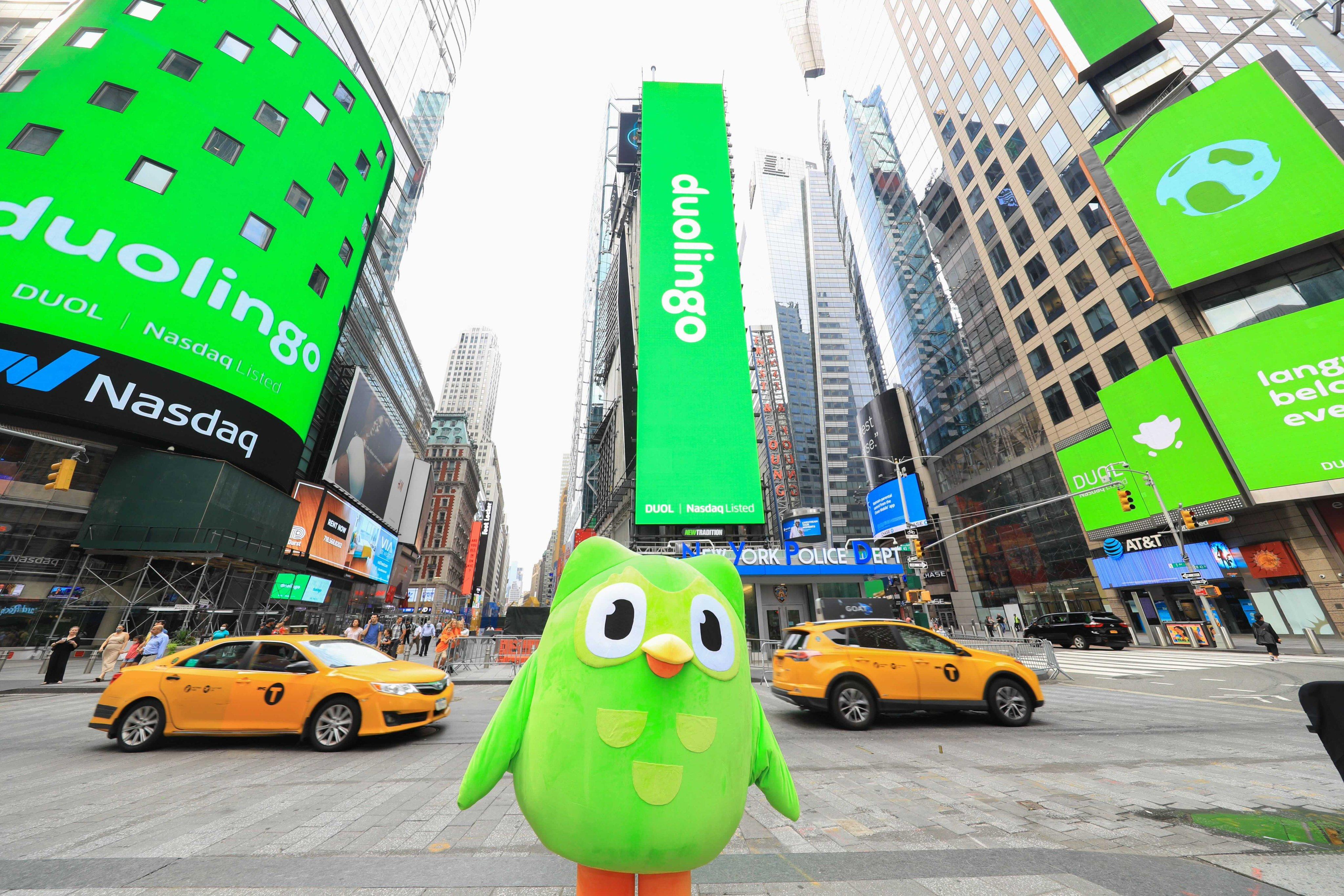 Duolingo v úvodní den na Wall Street (zdroj: Duolingo Facebook)