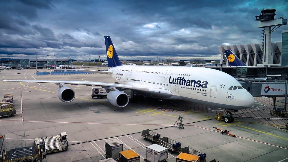 Lufthansa ukončuje provoz aerolinek Germanwings a omezuje dálkové ...